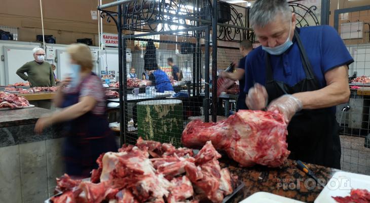 """Чебоксарцы о росте цен на мясо: """"Чем нам питаться? Все дорожает"""""""