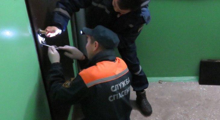 В Чебоксарах двухлетний ребенок закрылся в квартире