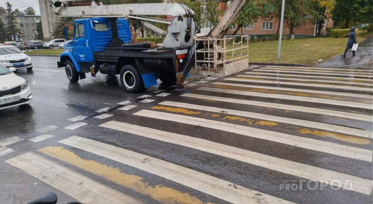 Утреннее ДТП в Чебоксарах: автокран наехал на школьника