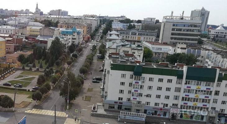 В центре Чебоксар временно запретят стоянку машин из-за прибытия теплохода с врачами