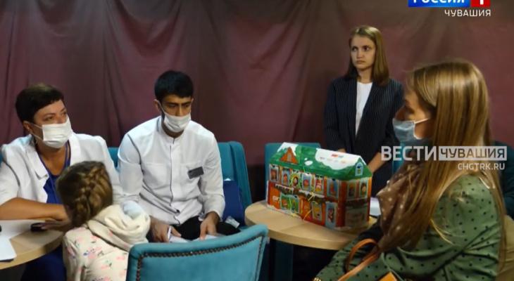 Лучшие врачи России на теплоходе приняли около 200 детей в Чебоксарах