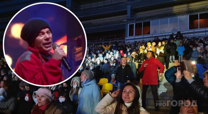Олег Газманов приехал в Чувашию и выступил на бесплатном концерте: впускали только привитых от коронавируса