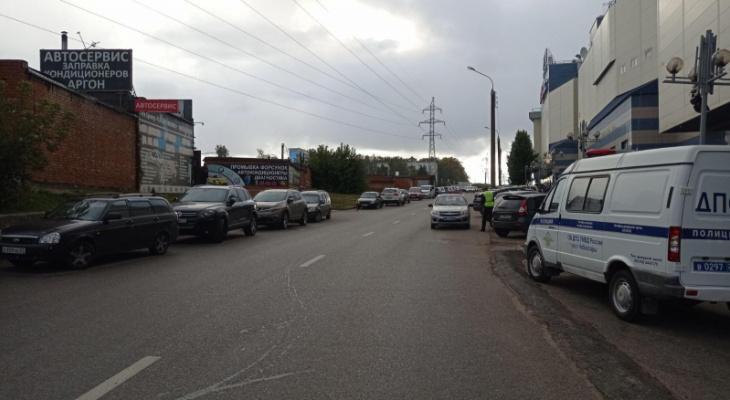 В Чебоксарах подросток на велосипеде попал под колеса легковушки