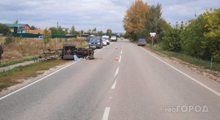 В Чебоксарском районе трактор насмерть придавил водителя