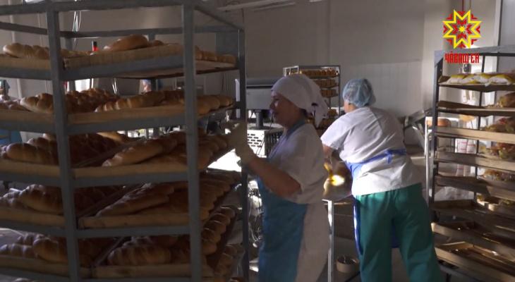 Цены на хлеб растут, заводы несут убытки: последствия жаркого лета настигли мукомолов и хлебопеков