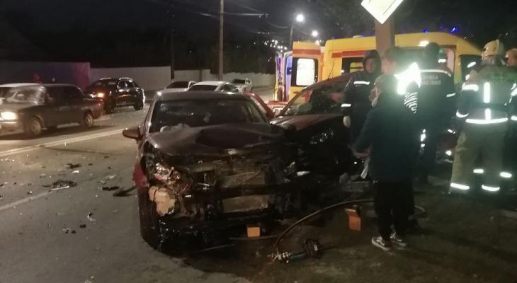 Смертельное ДТП в Чебоксарах: людей зажало в машине