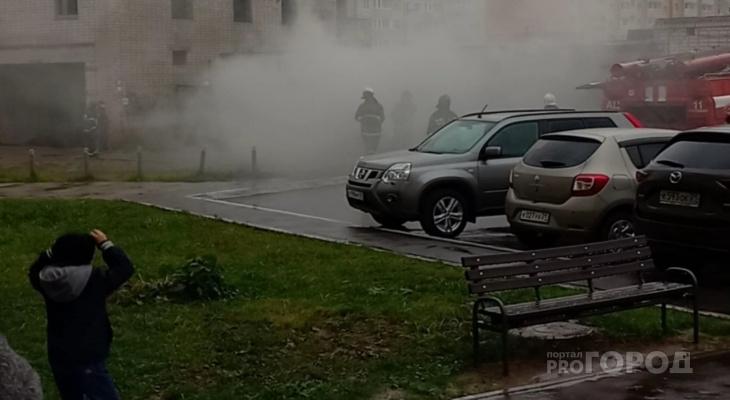 В Новочебоксарске загорелся гараж: спасатели спиливали ворота