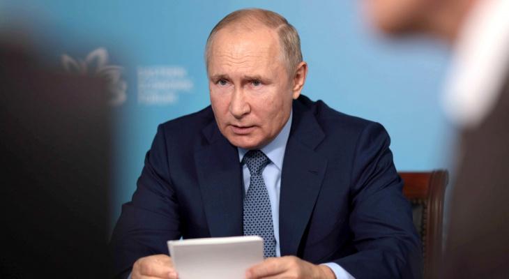 Президент Путин поручил уменьшить для школьников количество контрольных и проверочных работ
