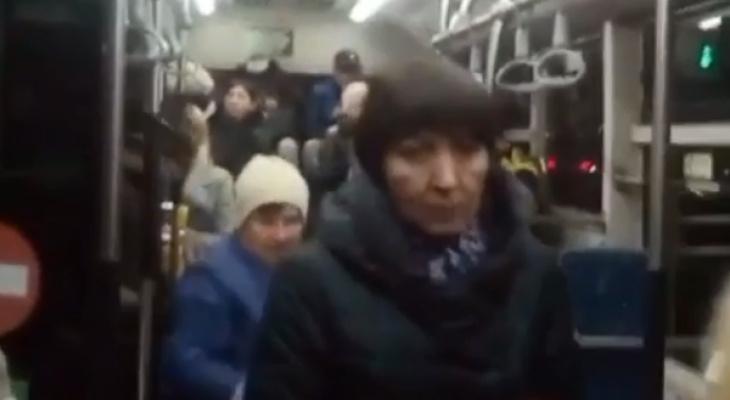 """Чебоксарские пассажиры не хотят носить маски в автобусах: """"На просьбы водителей отвечают хамством"""""""