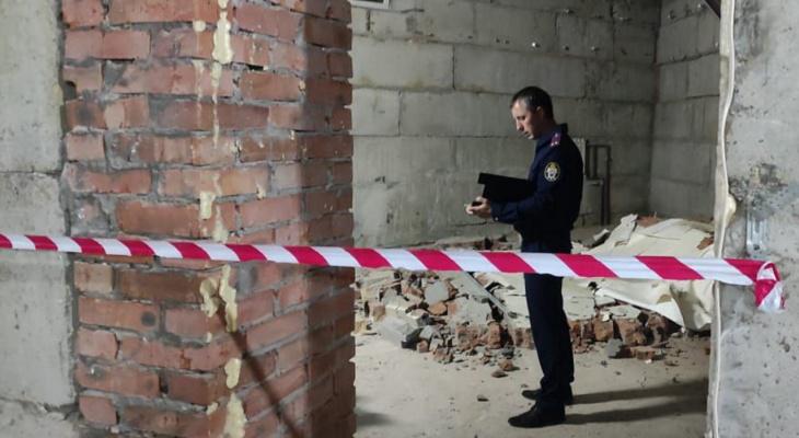 В Чебоксарах следователи нагрянули в бывший клуб, где строителя придавило стеной