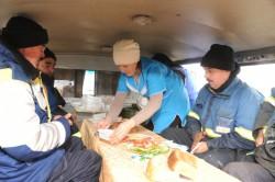 Рабочих, ликвидирующих последствия ЧП в Чувашии, обеспечивают горячим питанием трижды в день